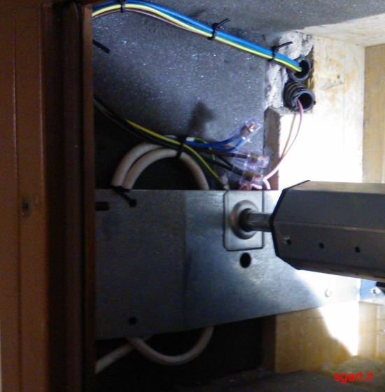 Schema Elettrico Tenda Motorizzata : Come installare un motore per tapparelle